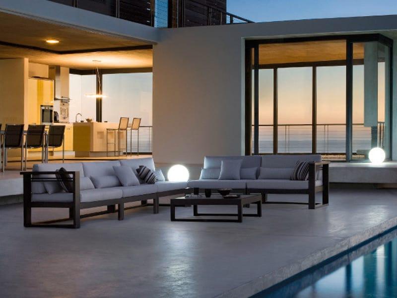 fuse | modular sofa by manutti, Garten Ideen