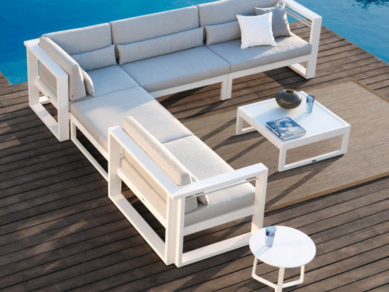 Divani Modulari Da Giardino : Fuse divano da giardino by manutti