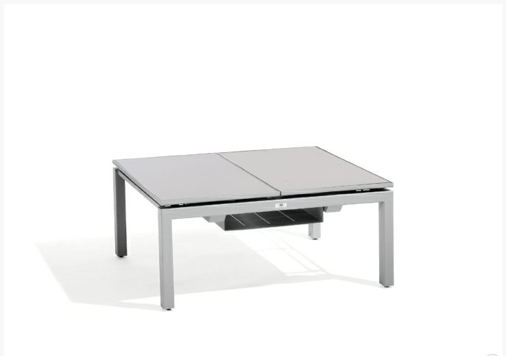 Trento tip up lounge table for 2 by manutti for Table de jardin carre