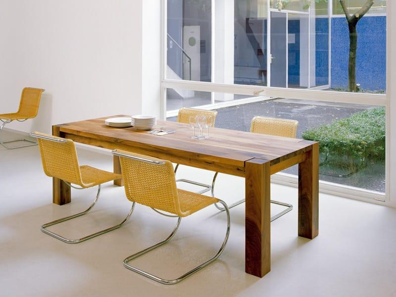 Tavolo rettangolare in legno massello bigfoot by e15 - Tavoli chateau d ax ...
