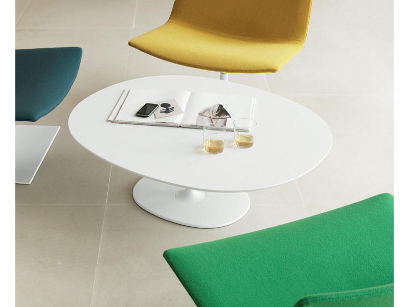 Dizzie h 35 table basse ovale by arper design lievore for Table basse design ovale