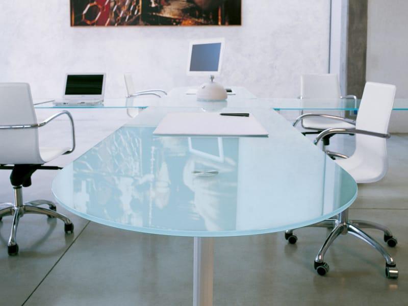 ovaler b ro schreibtisch aus glas kollektion valeo by. Black Bedroom Furniture Sets. Home Design Ideas