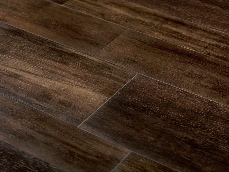 Revestimiento de pared suelo de gres porcel nico imitaci n for Suelos de gres imitacion madera