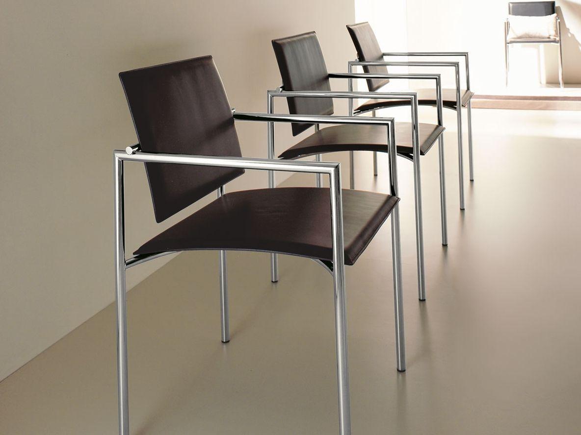 Stuhl aus gegerbtem leder mit armlehnen chiara by italy for Stuhl design italien
