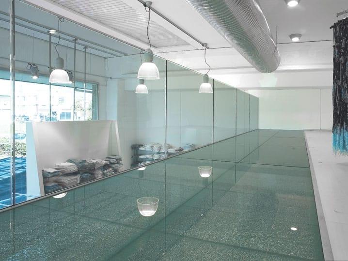 Balkon Bodenbelag Aus Glas : und Bodenbelag aus Glas GLASS PROJECT  Wand- und Bodenbelag aus Glas ...