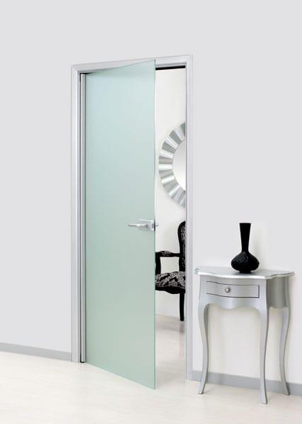 Porta a battente in vetro senza telaio leonardo by for Porta vetro battente