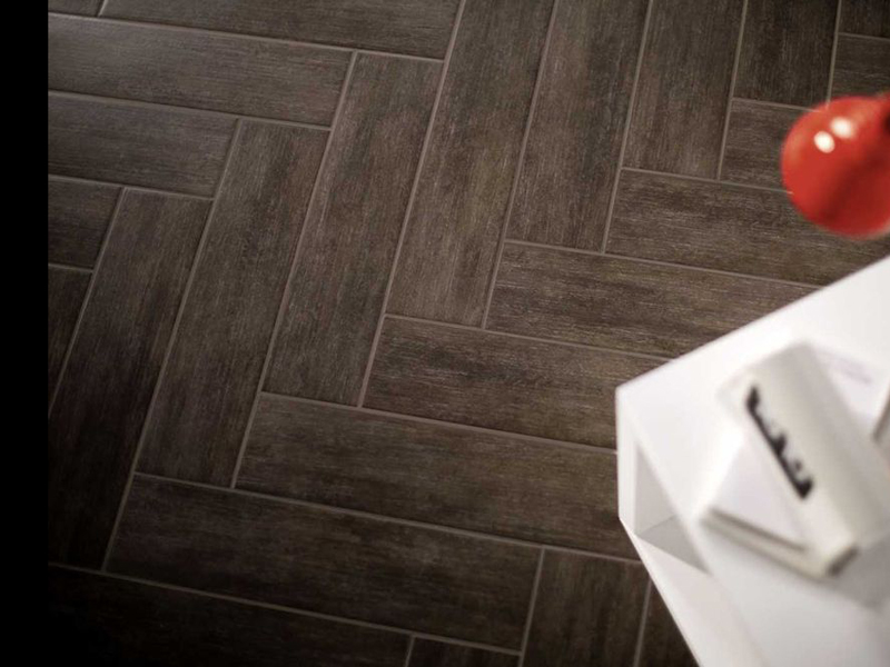 Pavimento de cer mica imitaci n madera contemporary by marazzi - Ceramica imitacion madera exterior ...