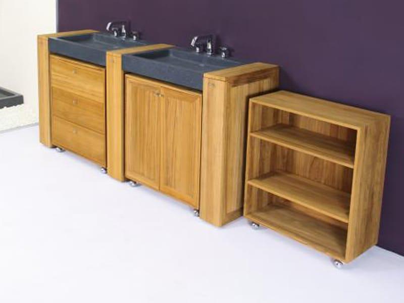 Meuble pour salle de bain en bois avec rangement roulettes for Rangement salle de bain bois