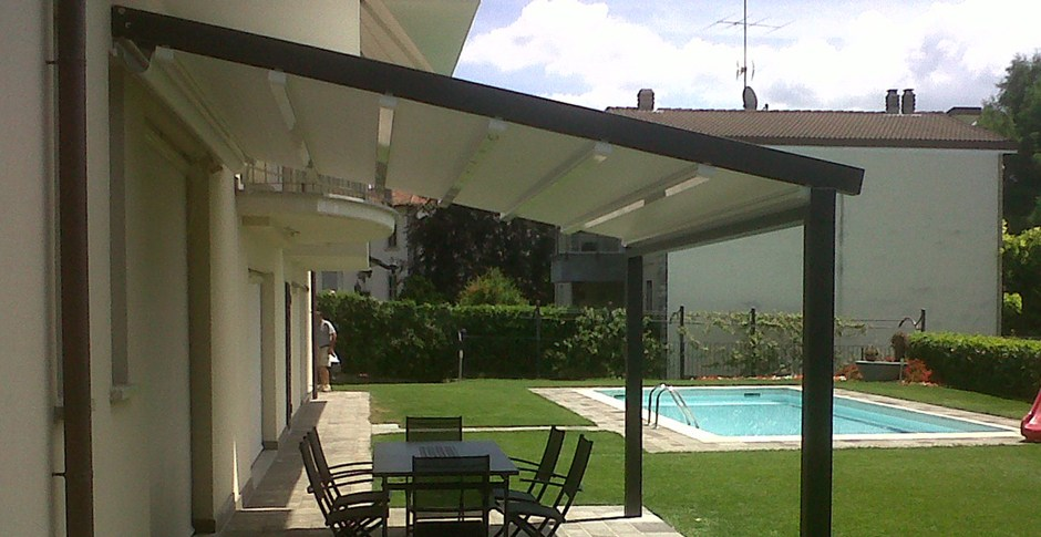aluminium pergola with sliding cover a2 compact by ke outdoor design. Black Bedroom Furniture Sets. Home Design Ideas