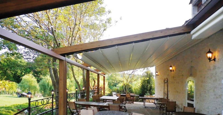 L2 laminated wood pergola by ke outdoor design - Toile coulissante pour pergola ...