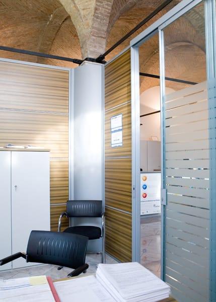 Parete mobile per ufficio by quartieri luigi for Mobile per ufficio