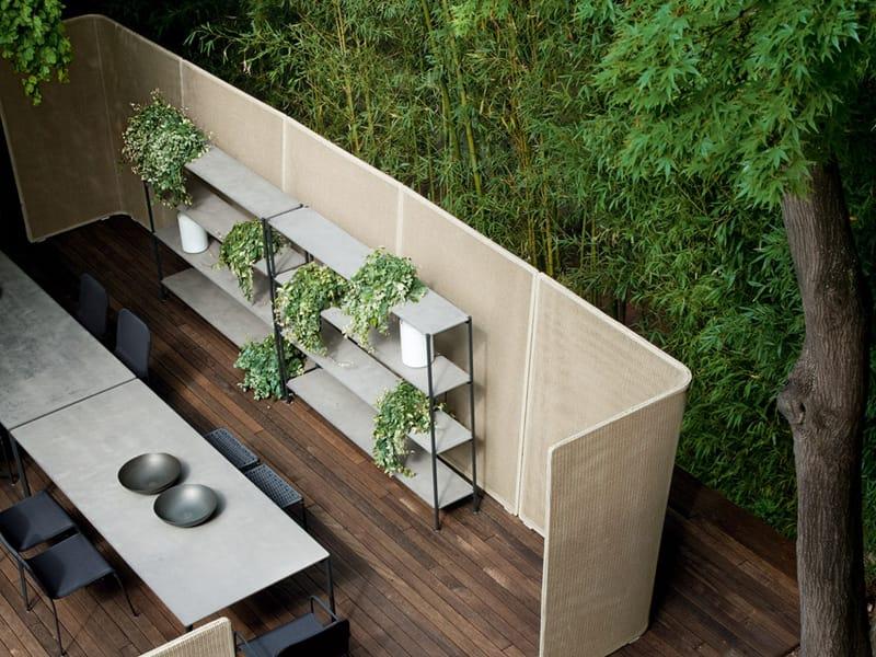 Separador de ambientes para exteriores abri by paola lenti - Biombos para exteriores ...