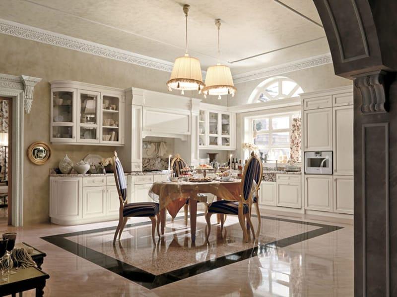 klassische Küche Kamin