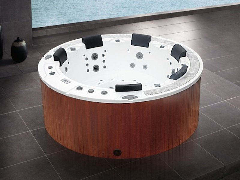 Round Hot Tub For Chromotherapy 6 Seats Bl 831 By Beauty