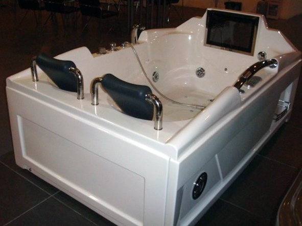 Vasca Da Bagno Due Posti : Fresh vasca da bagno posti ispirazione domestica