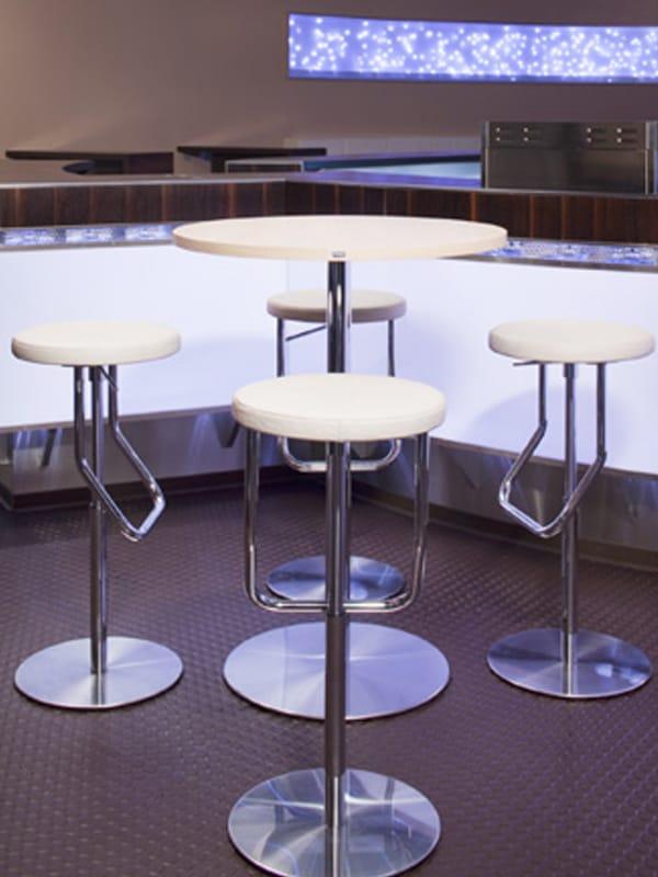table ronde en acier inoxydable et bois s1123 by thonet. Black Bedroom Furniture Sets. Home Design Ideas