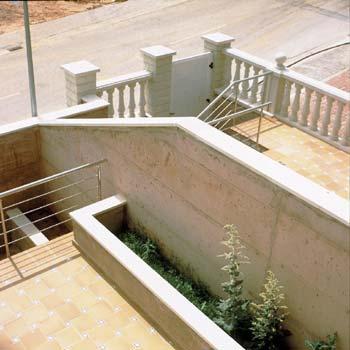 mauerabdeckung aus beton sas by sas italia aldo larcher. Black Bedroom Furniture Sets. Home Design Ideas