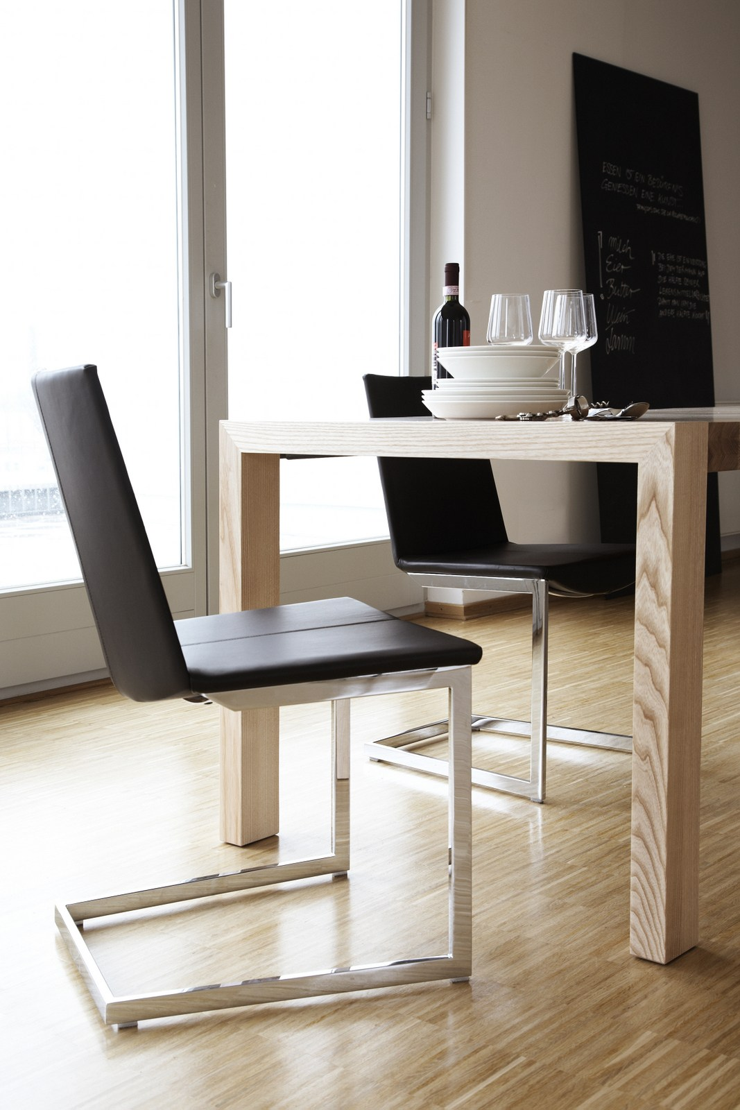 tibet chaise en porte faux by kff design andrei munteanu. Black Bedroom Furniture Sets. Home Design Ideas
