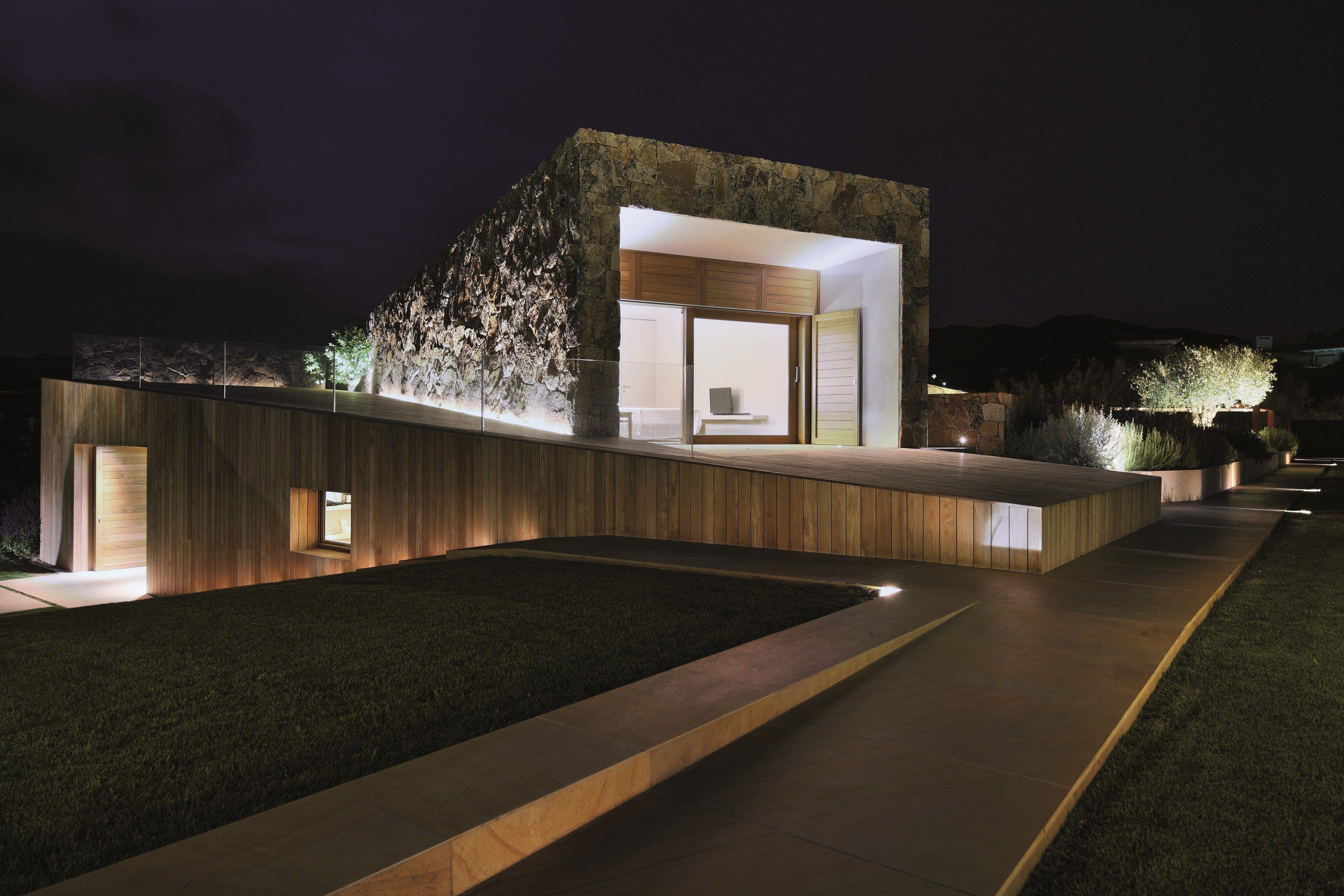 Illuminazione Esterna A Pavimento: Rivestimento da esterno motivo pavimento in pietra larghezza cm.