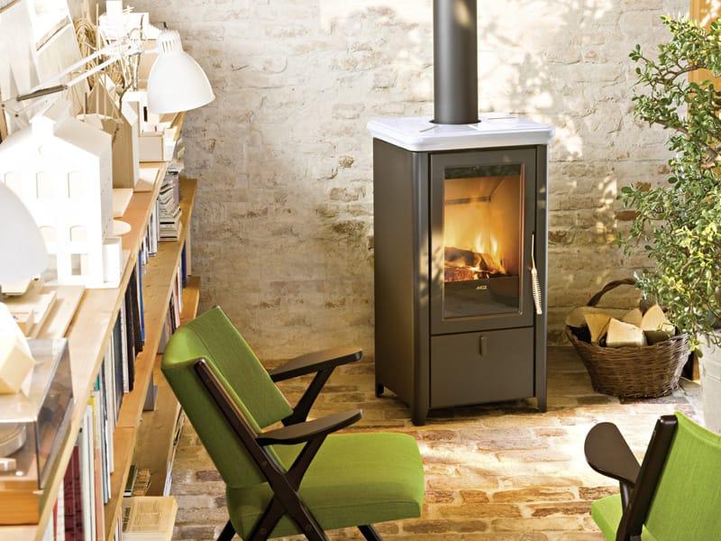 Stufa a legna per riscaldamento aria bahr by mcz group - Stufa a legna per termosifoni ...