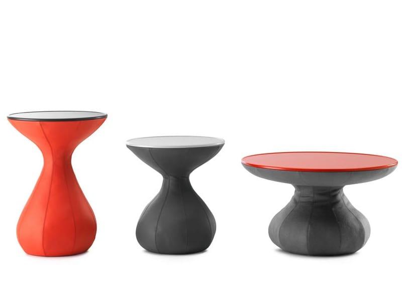 table basse ronde en cuir gozo by leolux design kai stania. Black Bedroom Furniture Sets. Home Design Ideas