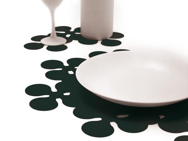 Orchid set de table by konstantin slawinski design - Set de table design ...