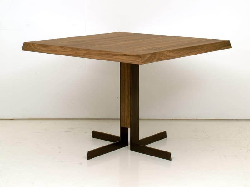 Wooden dining table denver by interni edition design for Table 6 in denver