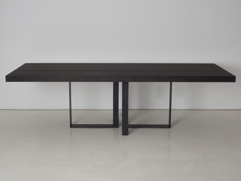 St malo table by interni edition design janine vandebosch for Interni furniture