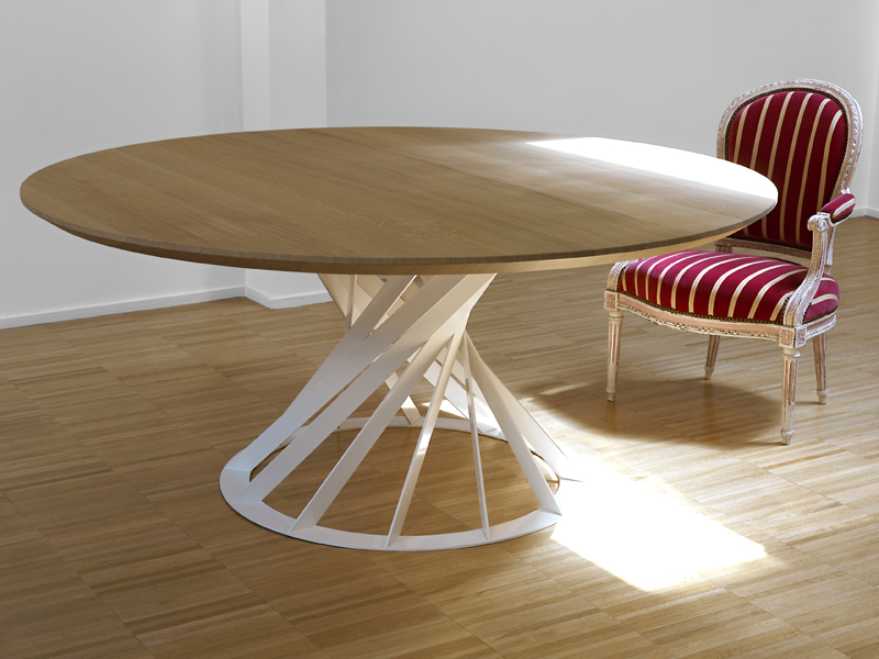 Twist table by interni edition design beno t deneufbourg for Table a manger ronde design
