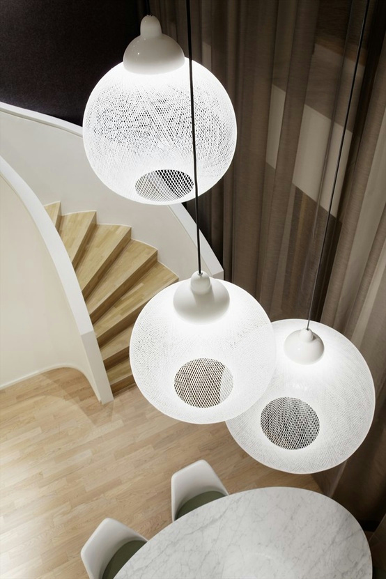 glass fibre pendant lamp non random by moooi design. Black Bedroom Furniture Sets. Home Design Ideas