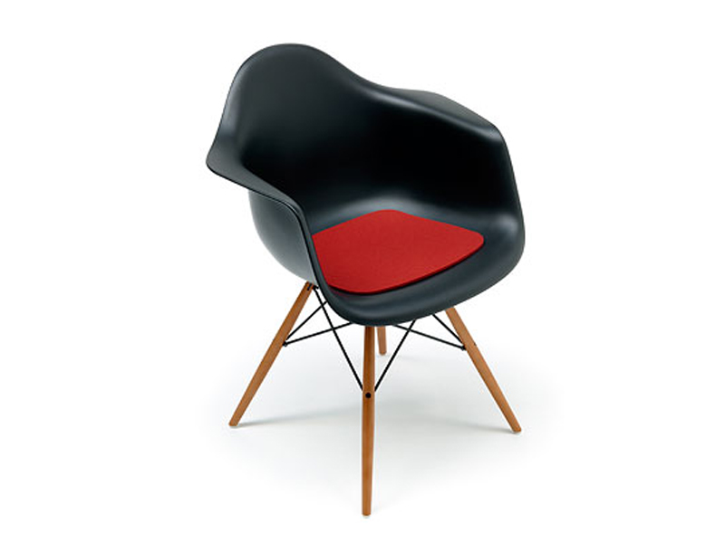 coussin en feutre pour chaise eames by hey sign. Black Bedroom Furniture Sets. Home Design Ideas