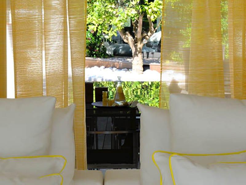 feuerfester stoff aus polyester f r gardinen nova by elitis. Black Bedroom Furniture Sets. Home Design Ideas