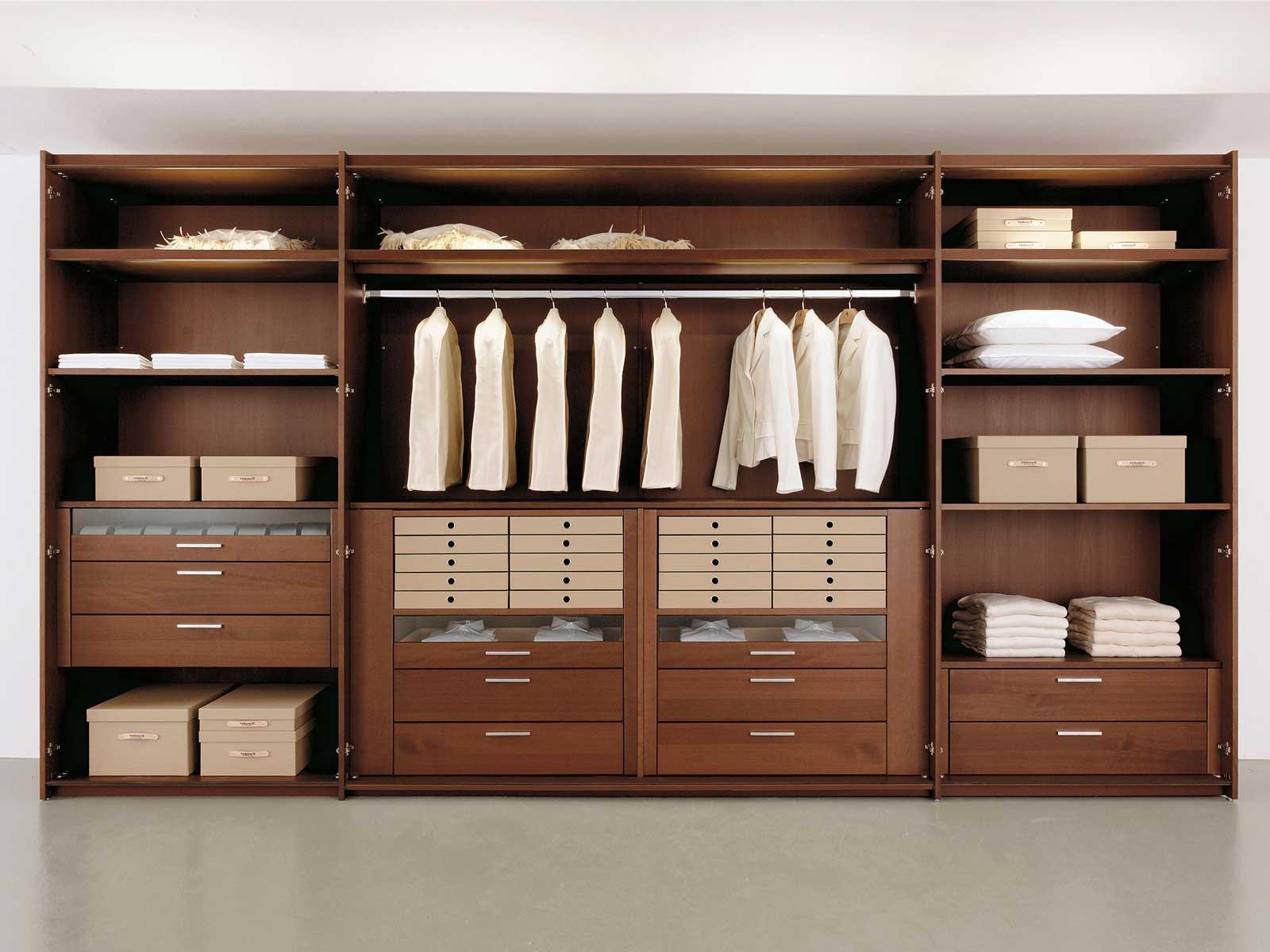 Contemporary style walk in wardrobe multi forma ii for Walk in wardrobe fittings