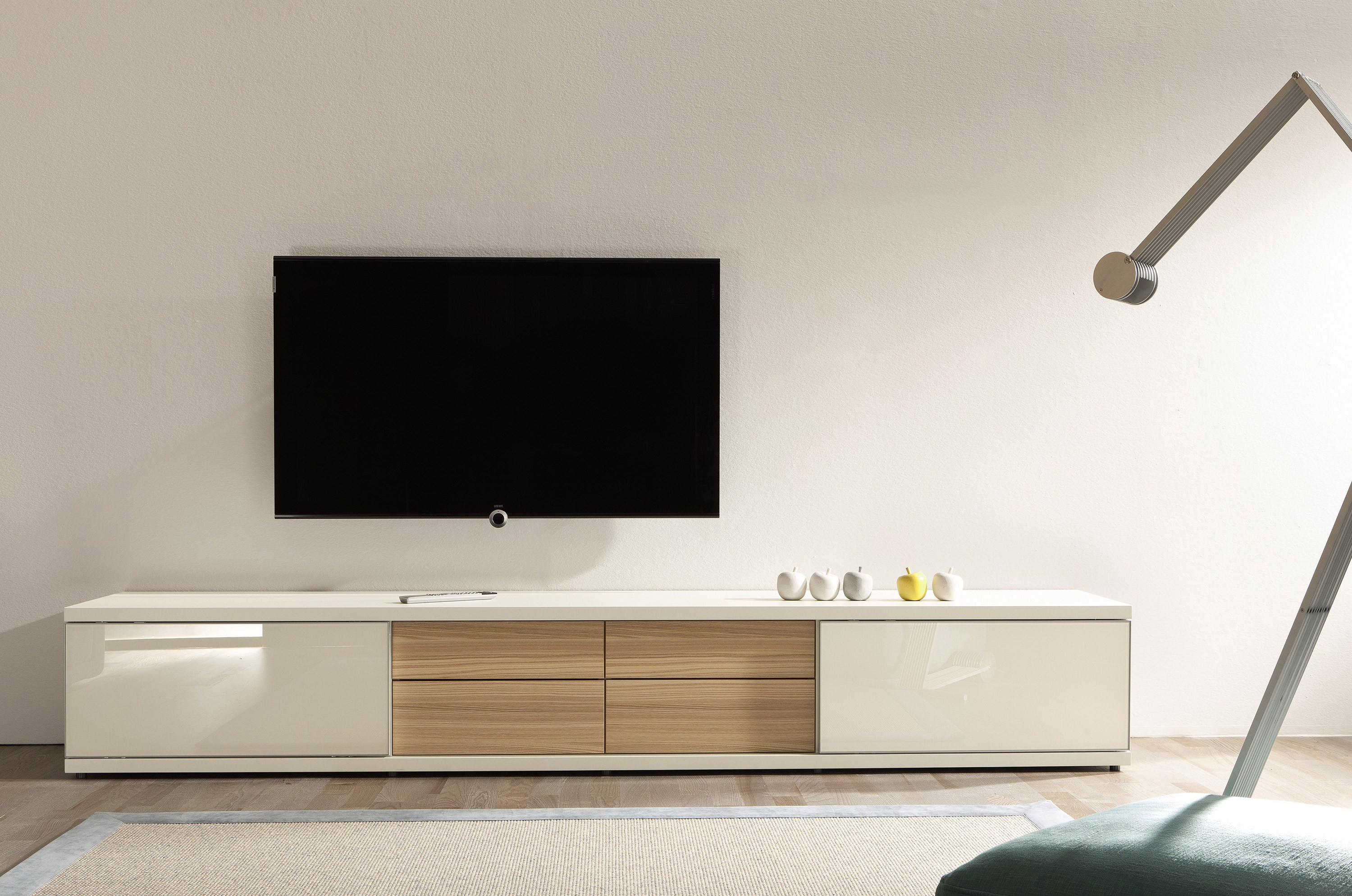 tv lowboard aus holz tameta tv m bel h lsta werke h ls. Black Bedroom Furniture Sets. Home Design Ideas