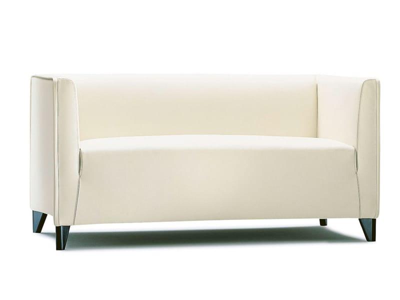 Quadra sof pequeno by wittmann design paolo piva for Sofas cheslong pequenos