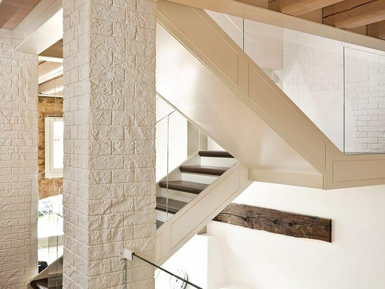 Rivestimento in cemento effetto pietra muro stampato by for Costo per costruire pilastri di pietra