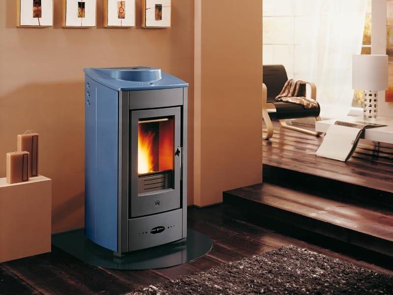 P950 pellet stove by piazzetta for Stufe a pellet castelmonte prezzi