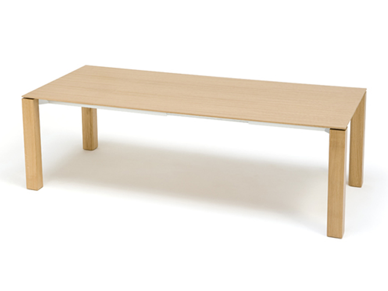Extending dining table extra extensible by andreu world for Dining table extensible