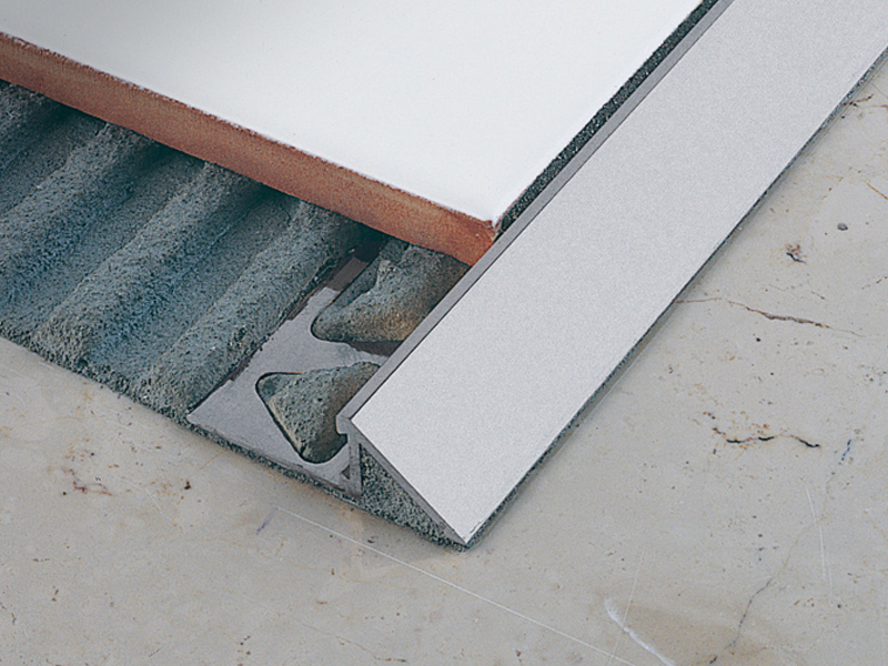 Floor edging and finishing profile zerotec zr by profilitec for Barre de seuil pour carrelage