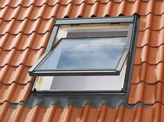Finestra da tetto velux isolamento termico ggl 6521 serie for Motore elettrico per velux