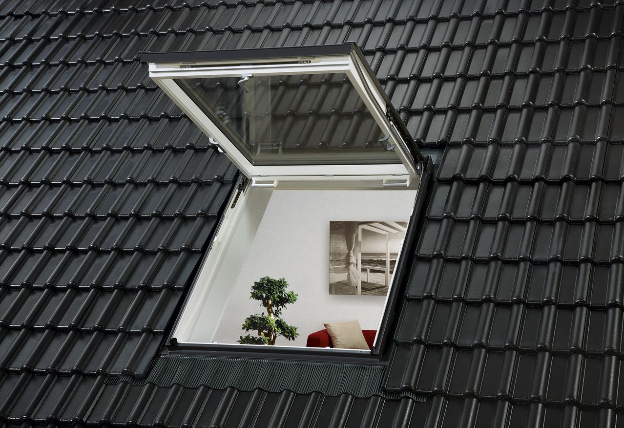 Roof window velux linea vita gtl gtu by velux for Velux costo
