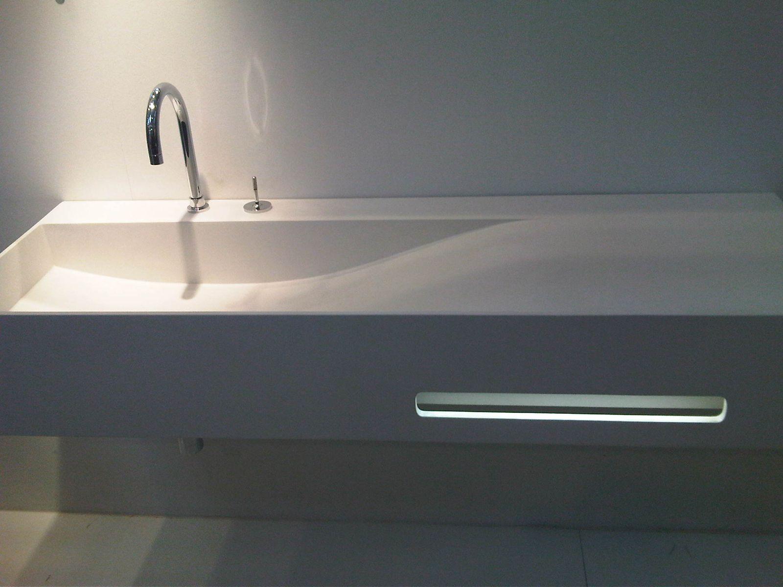 Küchenarbeitsplatte / Spülbecken aus Acrylstein STARKRYL® by LEGNOPAN