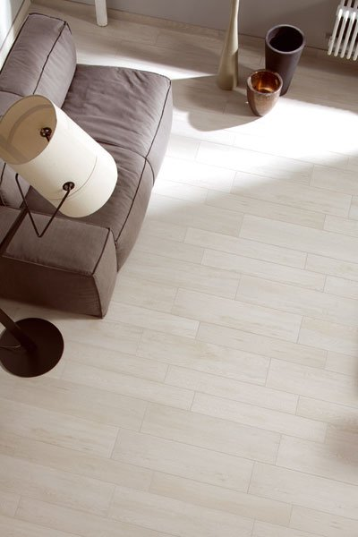 Porcelain stoneware flooring with wood effect urban wood for Carrelage urban ivory