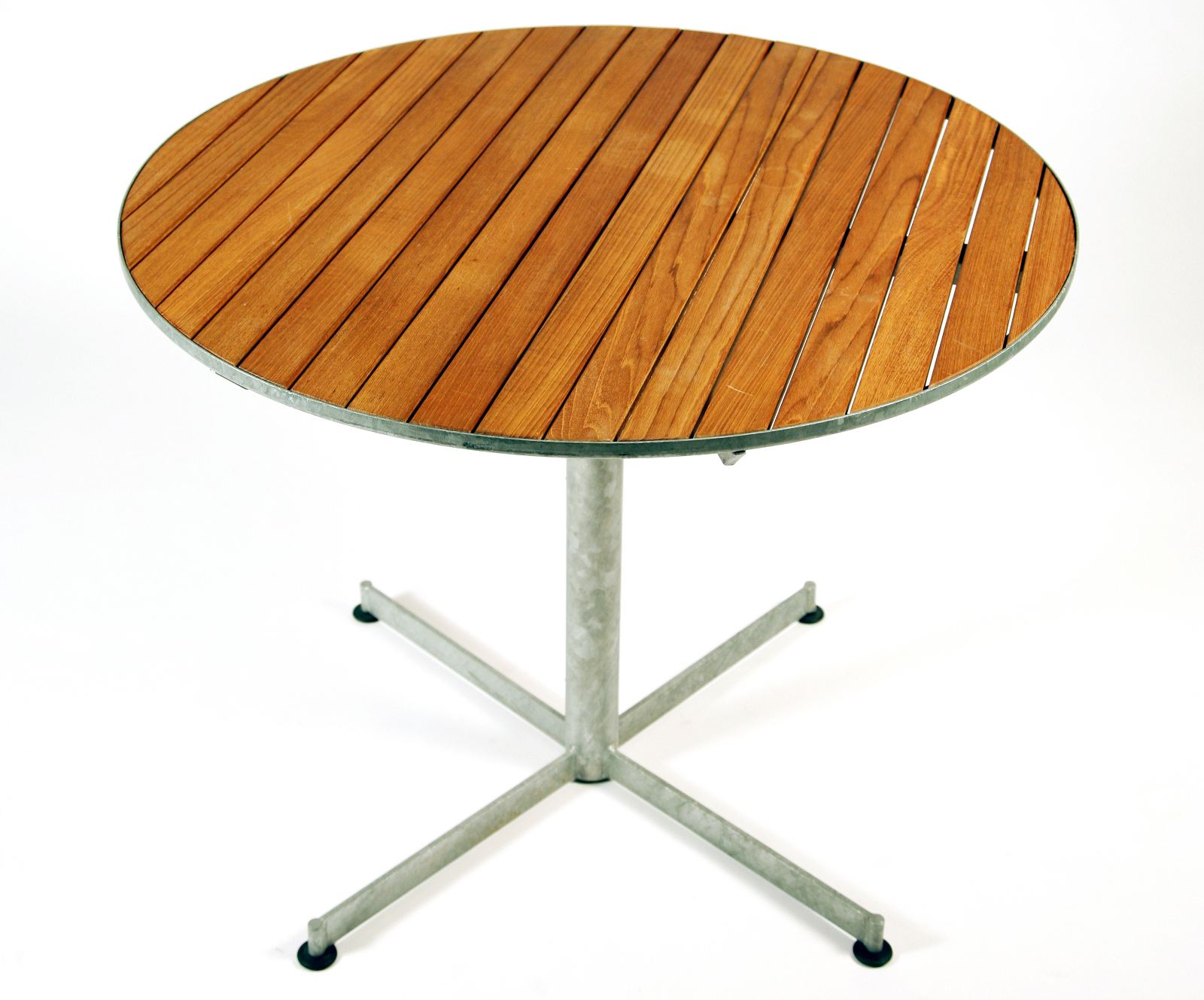 table ronde en teck terrace by inno interior oy design. Black Bedroom Furniture Sets. Home Design Ideas
