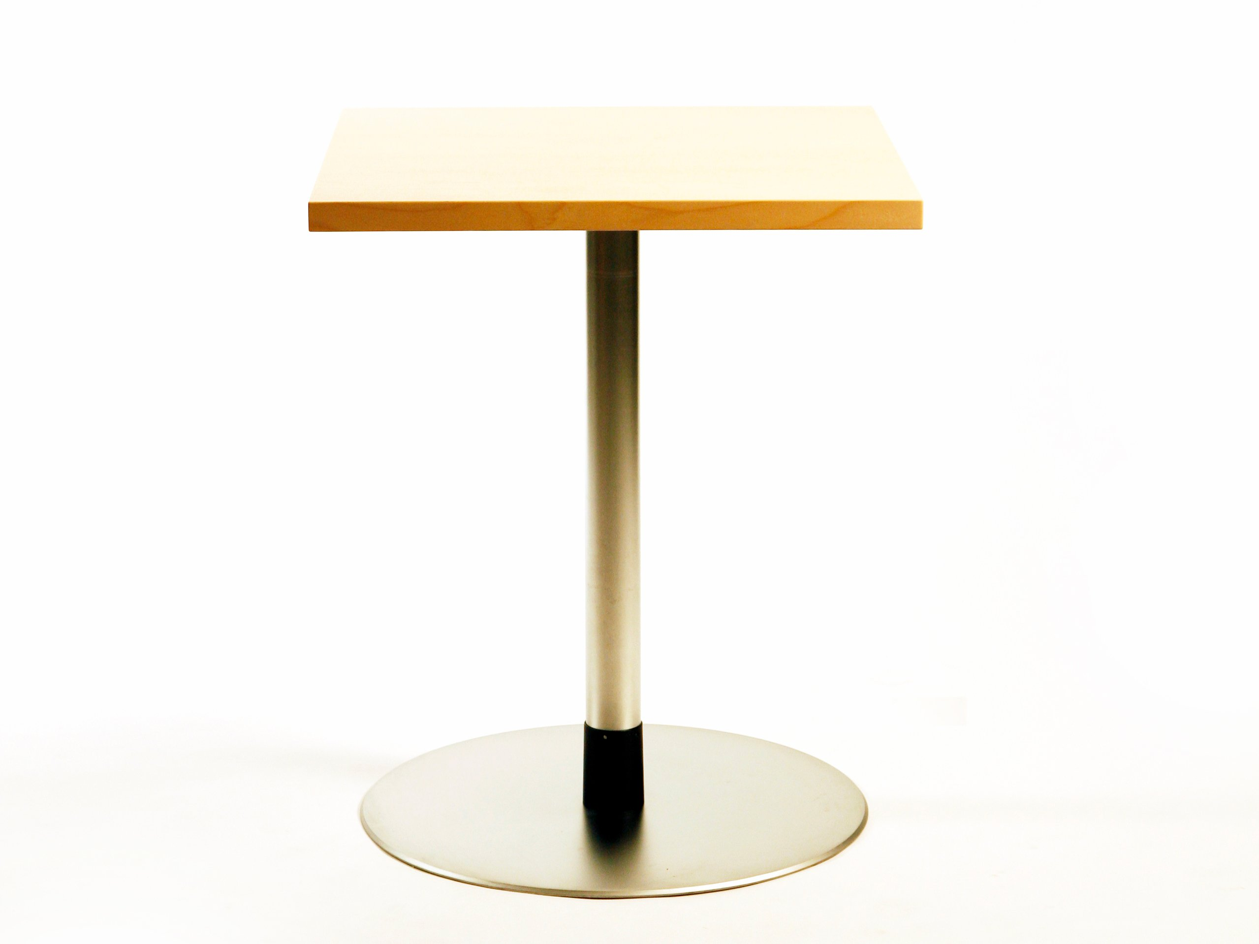 table ronde pour chr hippo by inno interior oy design harri korhonen. Black Bedroom Furniture Sets. Home Design Ideas