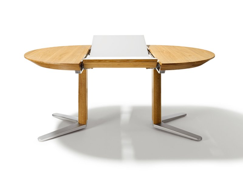 Table ronde avec rallonge integree for Table ronde bois blanc avec rallonge