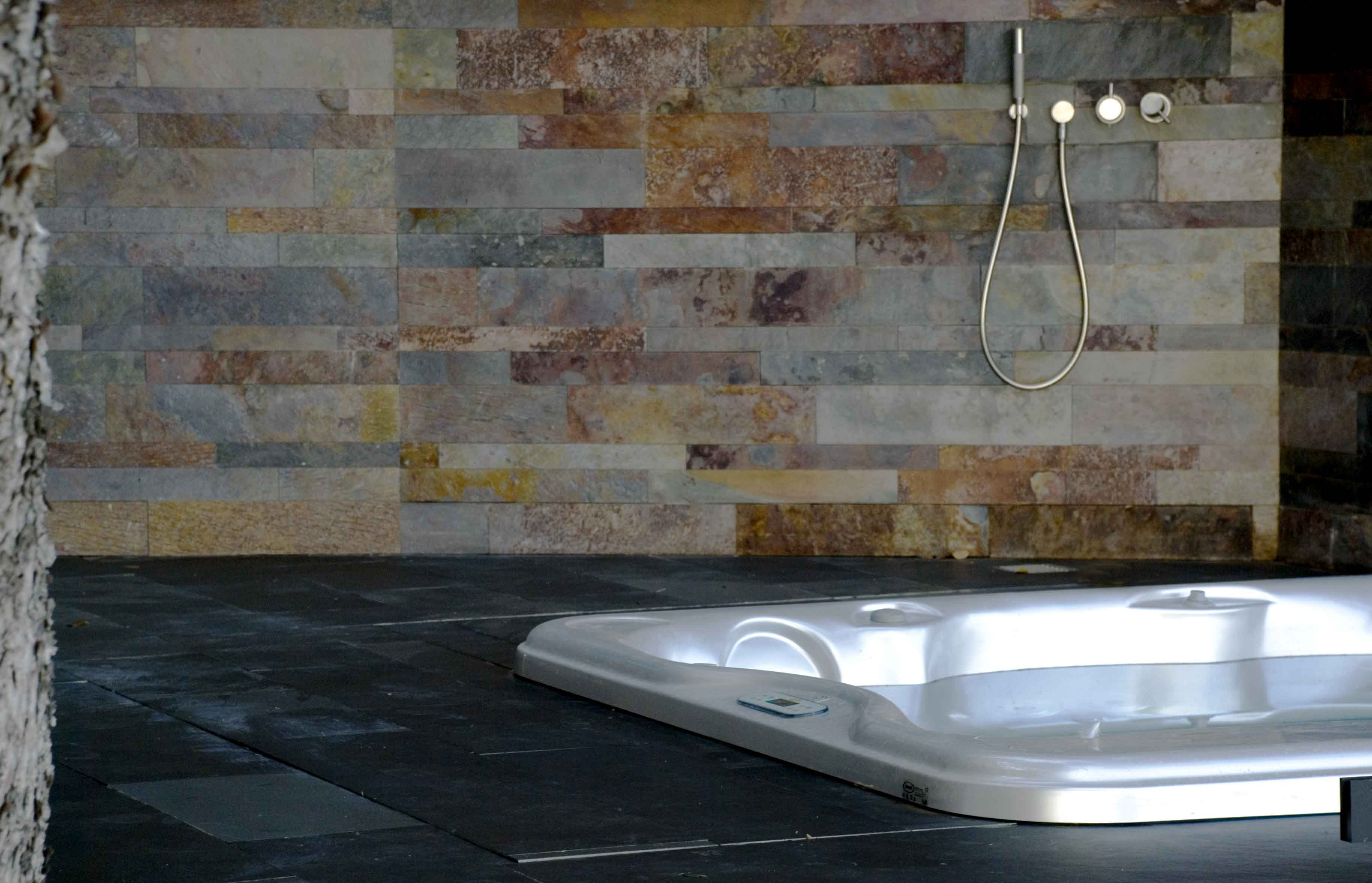 Pavimento in pietra naturale grafite pavimento in pietra for Nivault carrelage salle de bain cuisiniste