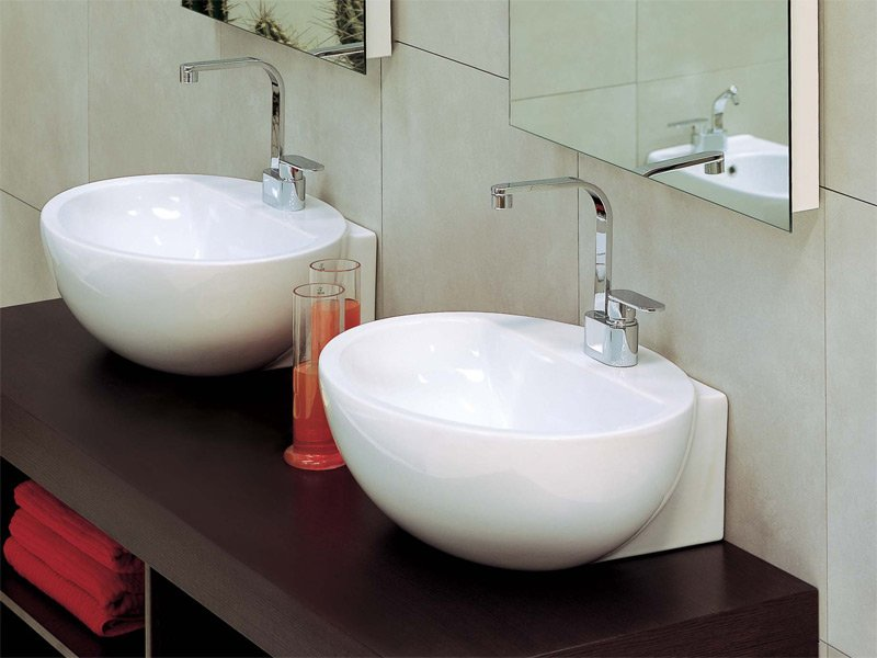 Lavabo da appoggio in ceramica dip by ceramica flaminia for Altezza lavabo appoggio