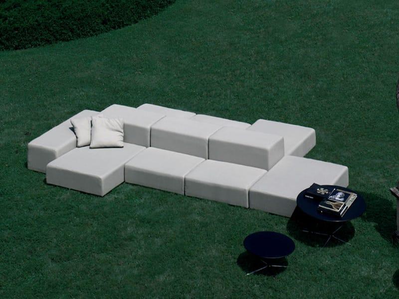 Divano da giardino componibile imbottito collezione extra for Divanetto da balcone