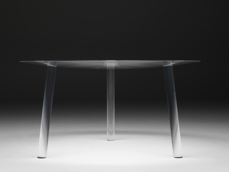 table ronde en plexiglas drop table by living divani. Black Bedroom Furniture Sets. Home Design Ideas